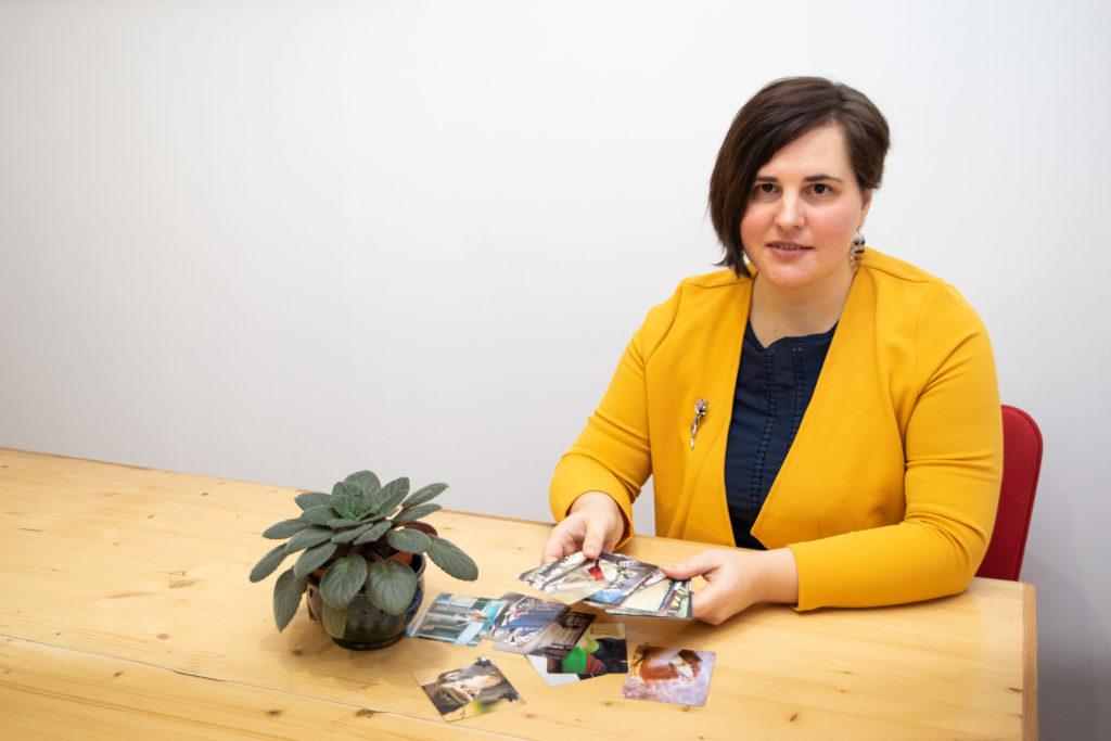 Йоанна Кристине Голубева и ассоциативные карточки
